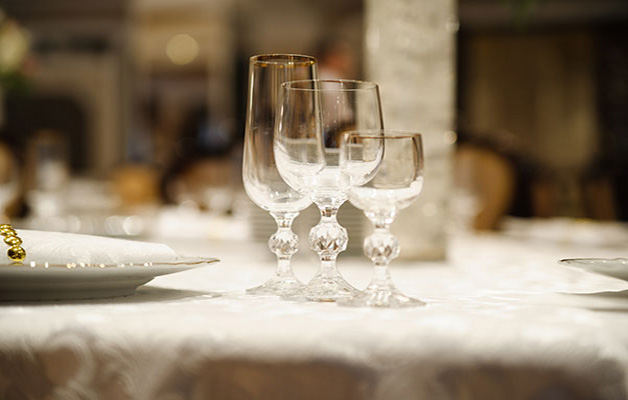 fine glassware elegant table setting